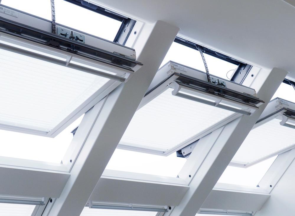 Finestre a soffitto - Quanto costa una finestra velux ...