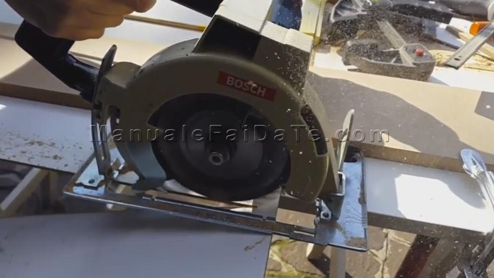 guide circular saw cut